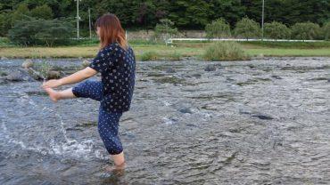 水と歩く/岡崎未樹